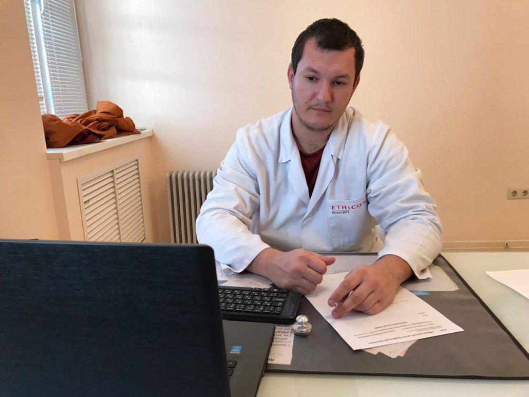 Чуйко Д.С. - ортопед травматолог, невролог, вертебролог, сосудистый хирург в Ростове-На-Дону. Работает в сфере медицины с 2011 года